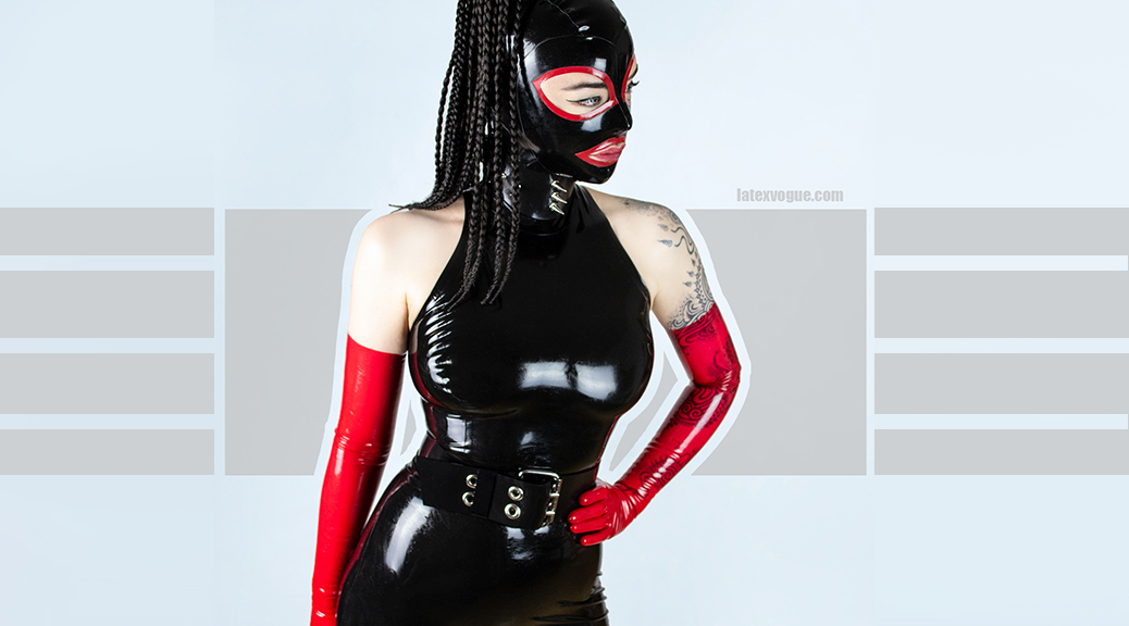 sexy-snowwhitemuffin-dressed-black-latex-armhole-top-spank-skirt-00