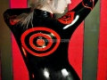 closer2u-shiro-catsuit-latex-vogue-03