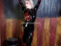 closer2u-shiro-catsuit-latex-vogue-08