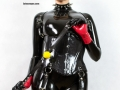 punk-girl-black-latex-catsuit-04